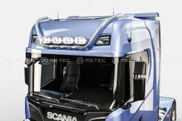 Scania kattovaloteline korkea 710€ ja 990€